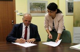Umowa zWFOŚiGW wPoznaniu podpisana. Wciąż pozbywamy się azbestu